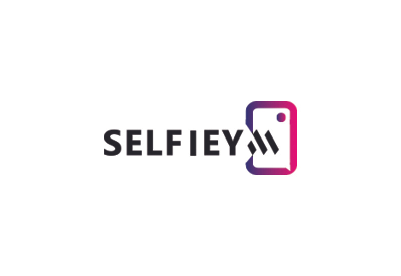 web development company - SELFIEYM logo - About
